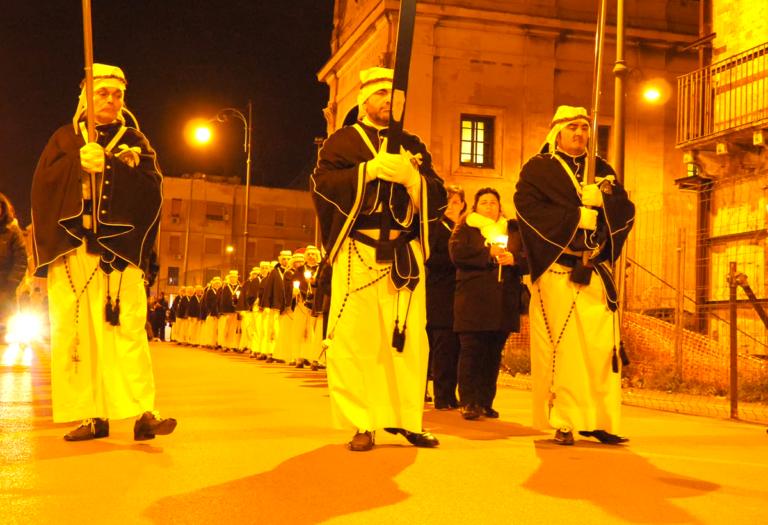 A Forore. La Notte si tinge di nero a Taranto. 13 e 14 Febbraio 2018