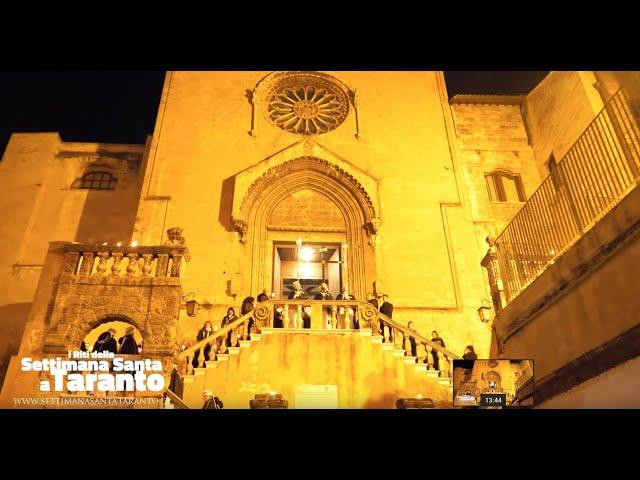 A Forore, un lungo corteo penitenziale di Mozzette Nere nel cuore della Città Vecchia di Taranto. Ha inizio la Quaresima 2019