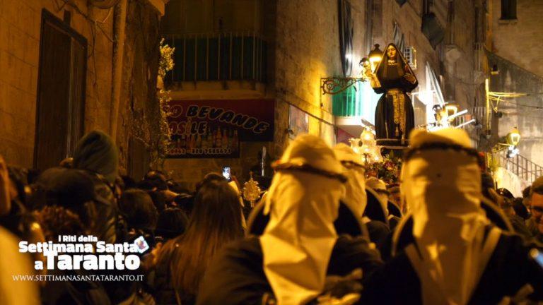 La prima Croce. Processione Addolorata. Settimana Santa 2019 Taranto